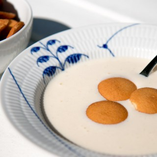 koldskål or cold buttermilk soup